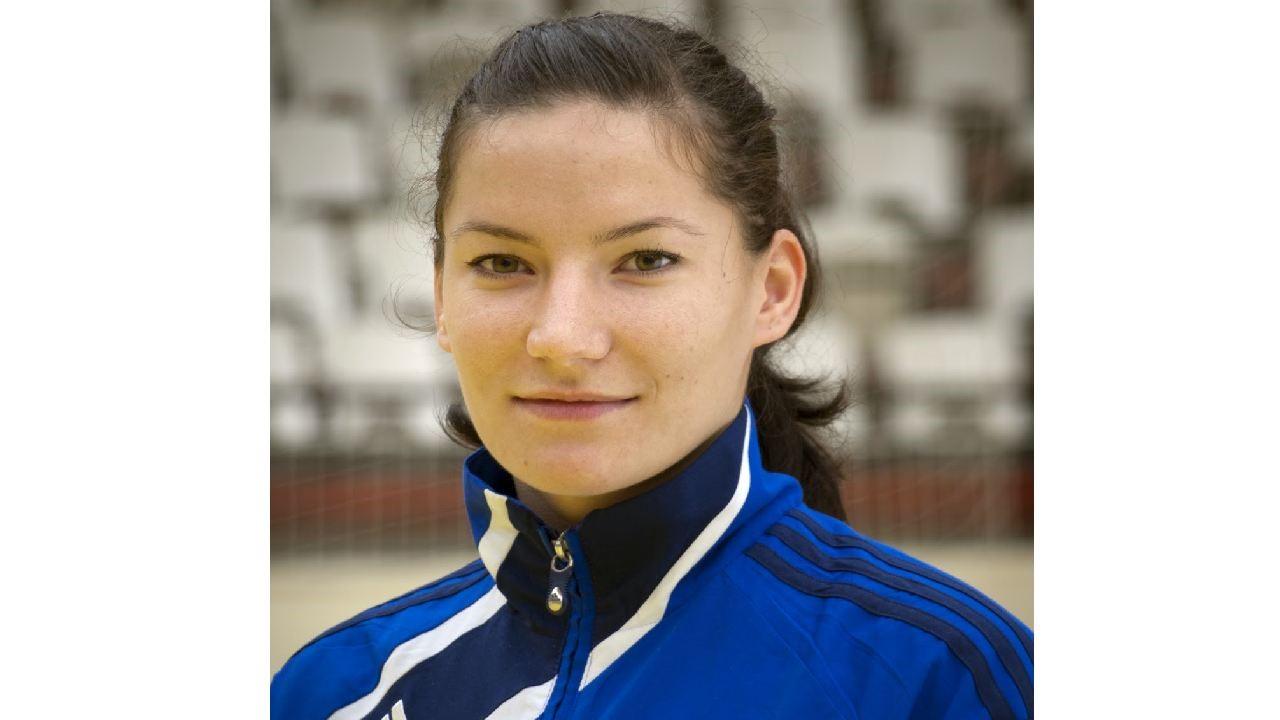 Roxana Cîrstea a semnat pentru S.C.M. Craiova