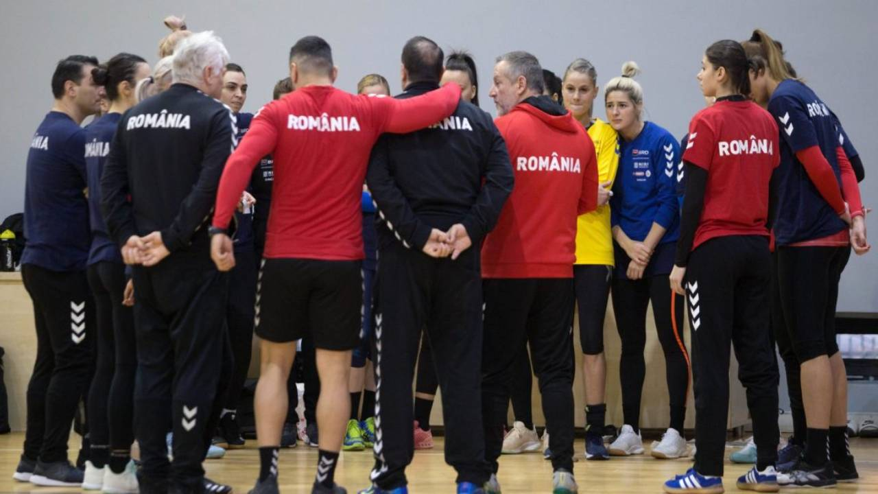 Șase handbaliste, convocate la Loturile Naționale